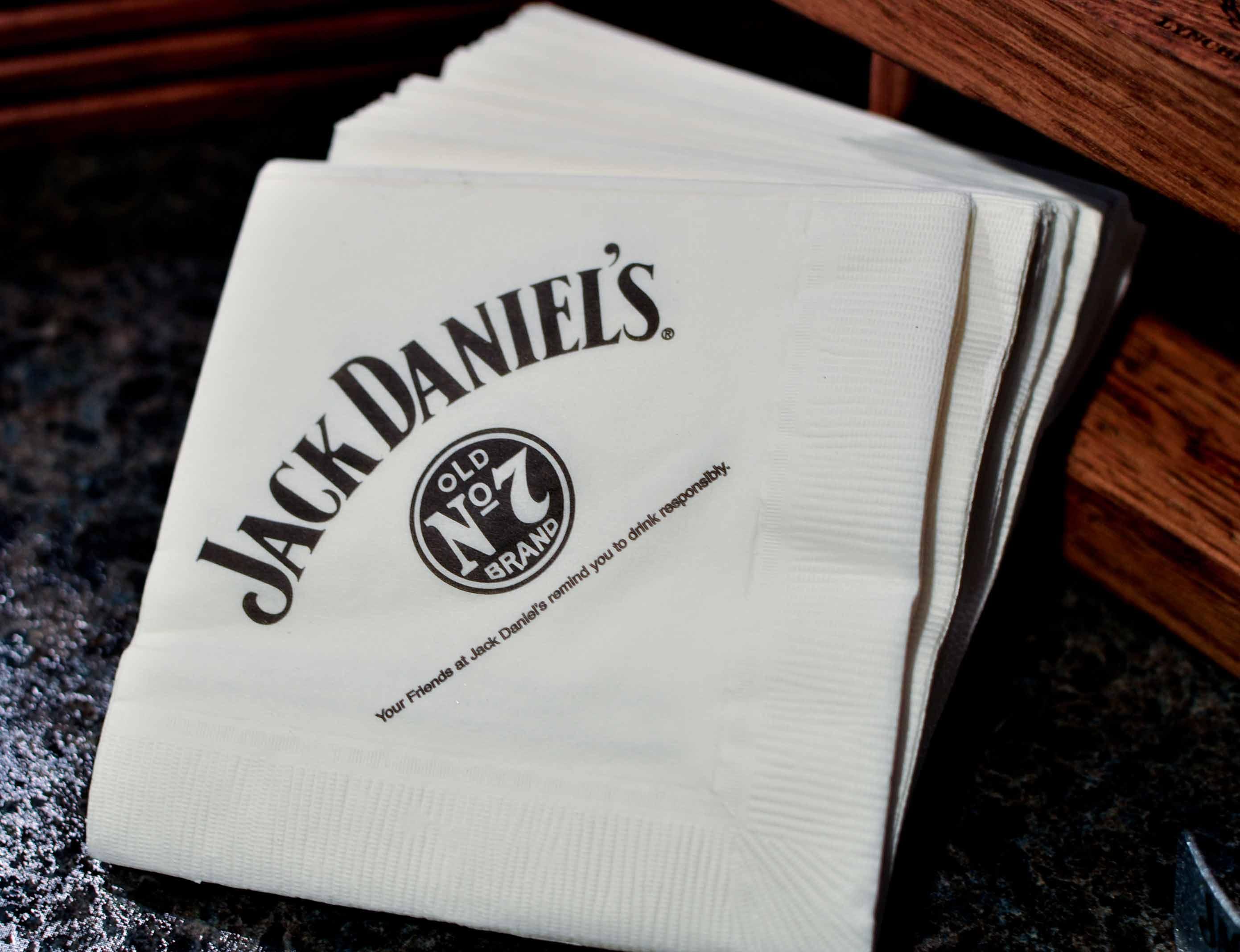 Идеи за брандиране от печати Модико- брандиране върху салфетки